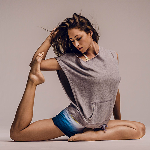 tara-stiles-yoga-stretch